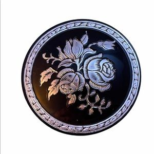 Victorian resin and silver round flower brooch